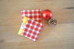 lavender sachets  rustic farm home decor  by xxxRedStitcHxxx, €12.00