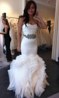 i LOVEE this dress! I want this for my wedding...whenever that's going to be lol Vera Wang <3 wedding dressses, dream dress, the dress, princess dresses, love vera wang, gown, mermaid dresses, beauty, reception dresses