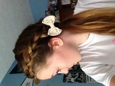 super cute and easy hair style to do in less than 3 minutes! :)