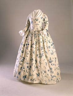 1760-1790 Gown, blue floral pattern on cream ground. Copperplate printed linen. Worn by Deborah Sampson, possibly as her wedding dress.