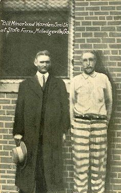 Georgia State Penitentiary in Milledgeville, GA | Bank and Train robber Bill Minor with Warden Smith (1910)