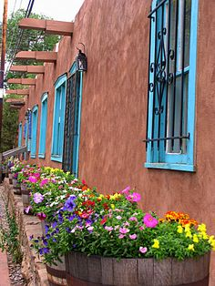 Canyon Road Gallery - Santa Fe NM  (copyright SD Stanton)