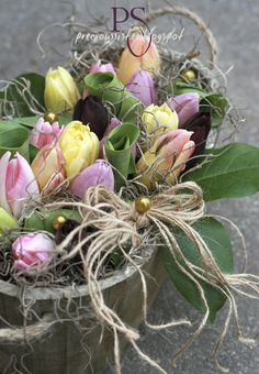 Lovely Easter TULIP DECORATION