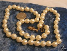 String of Pearls (Avon 2001) in gift box for Mother's Day. FREE shipping.