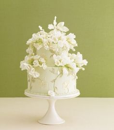 Small #wedding #cake... Personalized Cake serving sets...  http://www.thevineyard.carlsoncraft.com