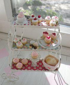 Cynthia's Cottage Design miniatur, tea time, teas, high tea, sweet treats, bakeri, cottage design, clay food, polymer clay