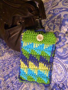 Diamond Spike Stitch Glasses Case, free pattern