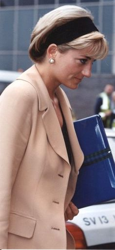 Unusual to see Diana in a headband.