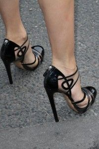 fashion shoes, black shoes, pump, fashion accessories, black heels, girls shoes, fashion handbags, stiletto, diane kruger