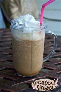 Frozen Caramel Coffee International Delight Iced Coffee Recipe  Reply to my @International Delight Recipe blog post and enter to win $500 toward your perfect Summer Party #IcedDelight