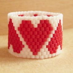 FREE HEARTS BEADED RING PATTERN featured in Bead-Patterns.com Newsletter!
