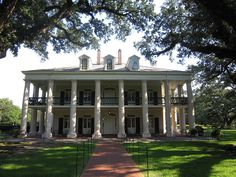 Oak Alley - LA --In my humble opinion the greatest of all the Southern Plantation houses