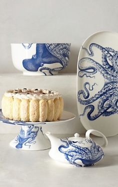 love this #blue octopus serve ware http://rstyle.me/~1Z1x1