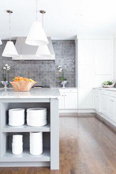 #lighting, #kitchen, #kitchen-cabinets, #pendant-light  Photography: Alyssa Rosenheck Photography - www.alyssarosenheck.com  Read More: http://www.stylemepretty.com/living/2014/06/30/glamorous-home-tour/