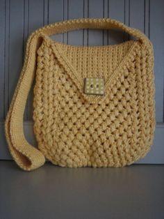 "NO pattern...cute purse...8 1/2"" wide x 9"" high x 1"" deep"