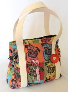 Retro pug bag FREE SHIPPING by hipgrannysgroovybags on Etsy, $55.00