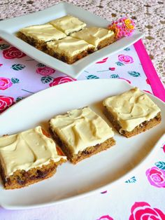 SPLENDID LOW-CARBING BY JENNIFER ELOFF: DELUXE FROSTED BANANA SQUARES