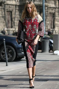 Candela Novembre looking especially chic in Milan.