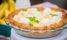 Home & Family - Recipes - Cristina Cooks Banana Cream Pie | Hallmark Channel