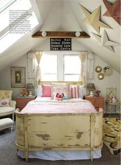 Such a cute bedroom..... flea market style