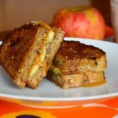Peanut Butter And Banana Sandwich (via foodily.com)