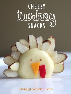 Cheese Turkey Snacks! Cute food idea for Thanksgiving. LivingLocurto.com