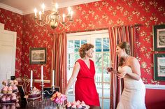 The beautiful bride & her mother before a lovely Southern wedding, complete with pink-frosted cupcakes. What could be finer? | photo credit Priscilla Thomas Photography #weddingcupcakes #cupcakedownsouth