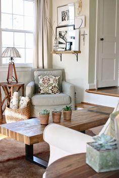 Leah Moss living room via ApartmentTherapy.com