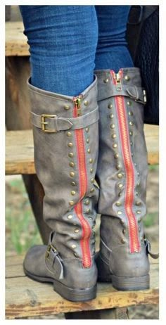 Adorable silver color ladies long boots | Fashion World
