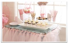 Cute tulle table skirt