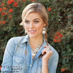 Toss a #chambray shirt in your bag for your weekend getaway! (Don't forget your #Silpada jewels!) #travel