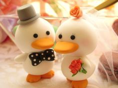 such cute cake toppers!