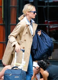 Diane Kruger Photos: Diane Kruger Tries To Hail A Cab In NYC