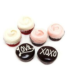 Magnolia Bakery Valentine's Day Cupcake Combo: In devil's food cake, red velvet, and flourless chocolate cake. sweet treat, food recipes, magnolia bakeri, valentine day, gluten free cupcakes, cupcak combo, red velvet, chocolate cakes, food cakes