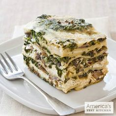 Spinach and Mushroom Lasagna from Slow Cooker Revolution: amzn.to/pg0Afe