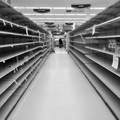 Goodbye Dominick's. Our local grocery store is going out of business, any food left (not much) is 50% off. #chicagofoodmark #instagram #rockinl7 #chicago