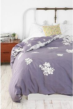 fall floral, apartment style, bed frames, urban outfitters, beds, floral duvet, guest bedrooms, color, duvet covers