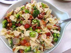 the BEST broccoli pasta salad ever!