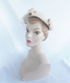 1950's Vintage White Straw Hat with Pink Roses Size 22