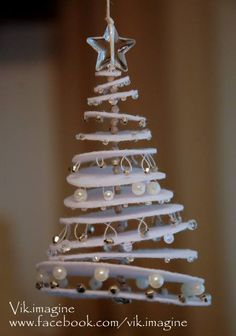Christmas tree crafts on pinterest diy christmas tree - Sapin noel bois flotte ...