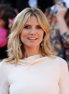 Heidi Klum latest layered medium length hairstyles for women over 40