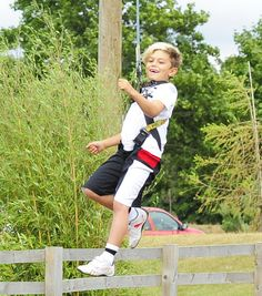 Kingston Rossdale - Gwen Stefani and Family Spend the Day at Woburn Safari Park