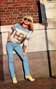 Debbie Harry, a style icon and a style chameleon. Such a natural beauty