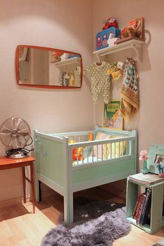retro mini crib== babies don't need as much space as we think :)