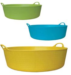Shallow Tubtrug for the dog to play in the water in the summer.