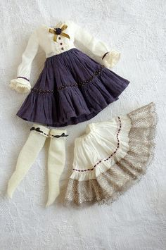 clothes for dolls :