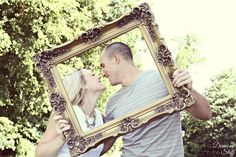 Playing Photographer {Engagement Pictures} Great engagement photo ideas!