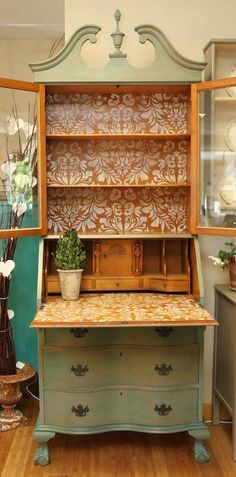 This 1960's maple desk was refinished in Florence for the body and Coco wash Chalk Paint® decorative paint by Annie Sloan!  Leaving the inside a natural wood. A beautiful Damask stencil pattern done with Old White! by  Stockist Molly Mansker of Ole and Inga of Poulsbo, WA