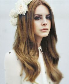 lana del rey, hair colors, girl crushes, queen, wavy hair