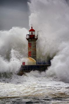 water, seas, the wave, lighthouses, weight loss, the ocean, storms, portugal, mother nature